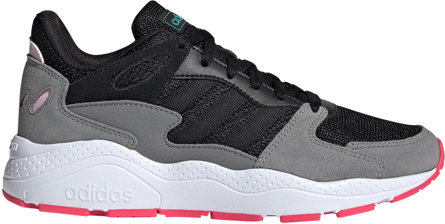 Adidas sneakers til damer og herre. Kun Intersport